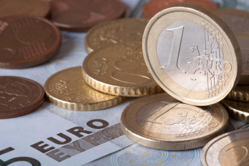 Forex – EUR/USD off session highs after batch of U.S., E.Z. data